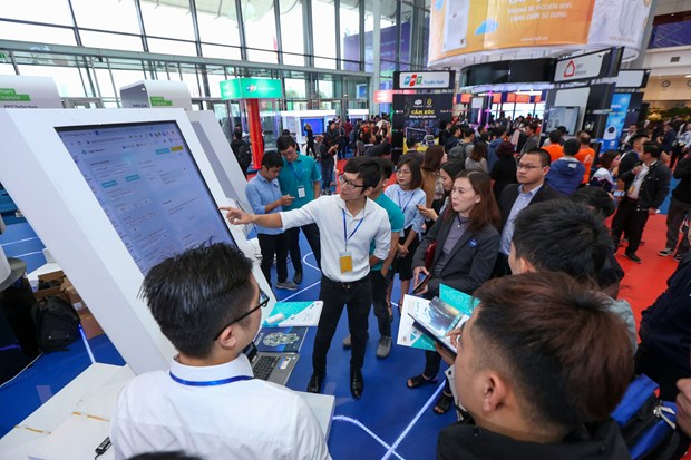 Trinh dien hang loat cong nghe 'dinh' tai FPT Techday 2019 hinh anh 9