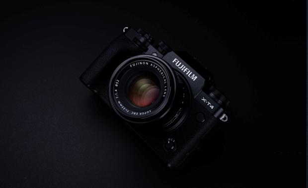 Fujifilm X-T4 ra mat: Chong rung cam bien IBIS, gia tu 1.699 USD hinh anh 1