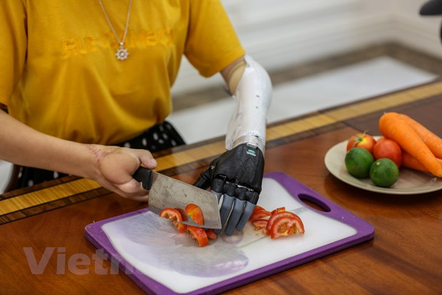 Canh tay robot Made in Vietnam danh cho nguoi khuyet tat hinh anh 14