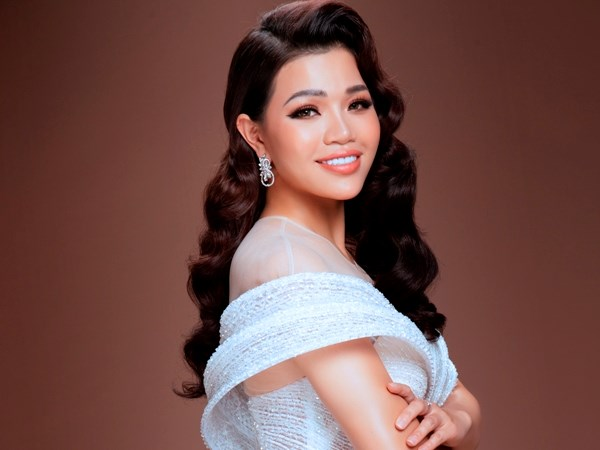 "Soprano Hien Nguyen pop hoa ""La Vie en Rose"" trong MV dau tay hinh anh 1"