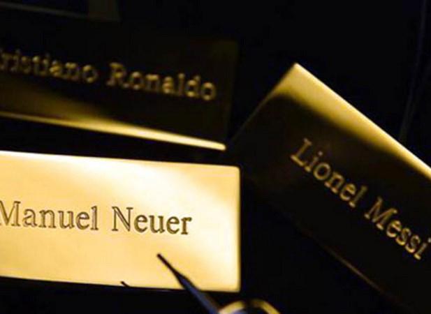Qua bong Vang FIFA 2014: Neuer se lam nen dieu bat ngo? hinh anh 1