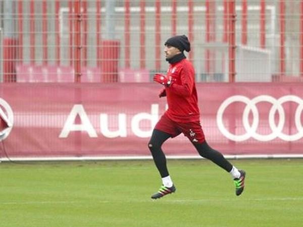 Boateng sap tro lai, Bayern se nhu