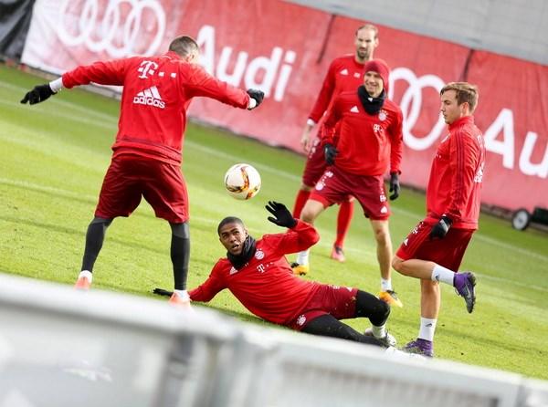 Bundesliga: Ban linh nha vo dich hay su troi day cua ke ngang duong? hinh anh 3