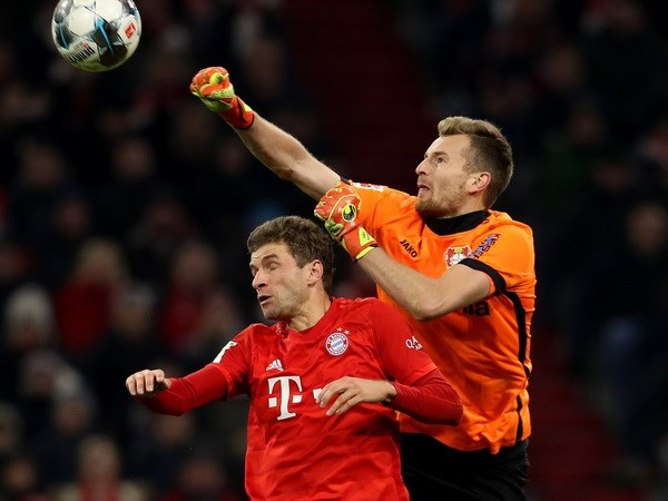 Bundesliga: Tran thua xui xeo day Bayern xa chuc vo dich Mua Thu hinh anh 4