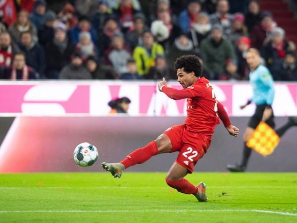 Bundesliga: Tran thua xui xeo day Bayern xa chuc vo dich Mua Thu hinh anh 1