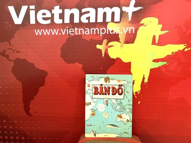 Atlas Ban do ve tay khong lo cua 2 tac gia Ba Lan hap dan ban doc Viet hinh anh 1