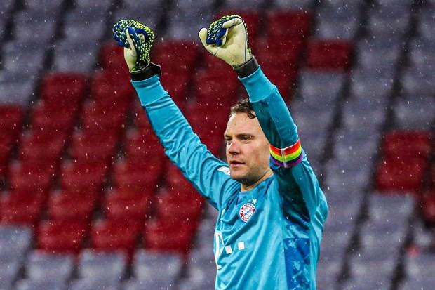 Cu an 6 cua FC Bayern: Nhung ky luc cua Flick va Neuer hinh anh 2