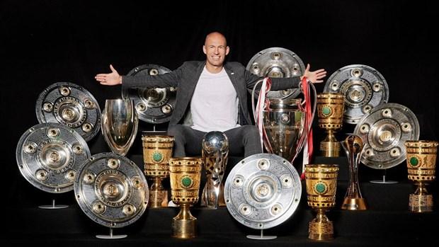 Arjen Robben - Sieu sao bong da Ha Lan va Bayern giai nghe o tuoi 37 hinh anh 3