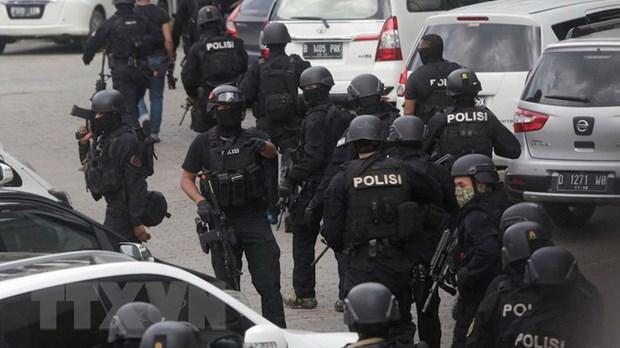 Indonesia bat giu 6 nghi can co quan he IS tai Dong Java hinh anh 1