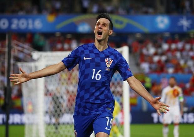 Tien dao Nikola Kalinic cua Croatia bi duoi ve nha do mau thuan hinh anh 1