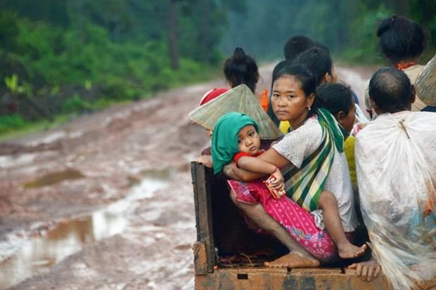Bo Quoc phong ho tro Lao khac phuc hau qua vo dap thuy dien hinh anh 1