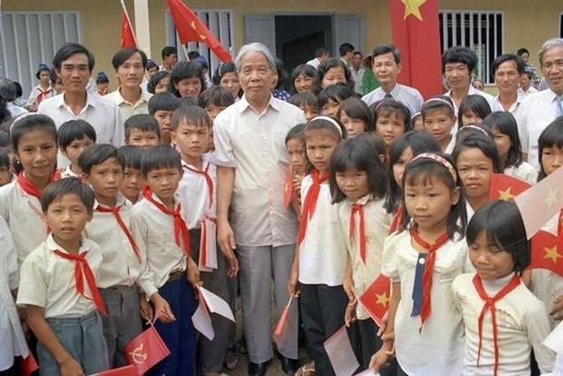 Nguyen Tong Bi thu Do Muoi-nguoi luon quan tam den hoat dong nhan dao hinh anh 1
