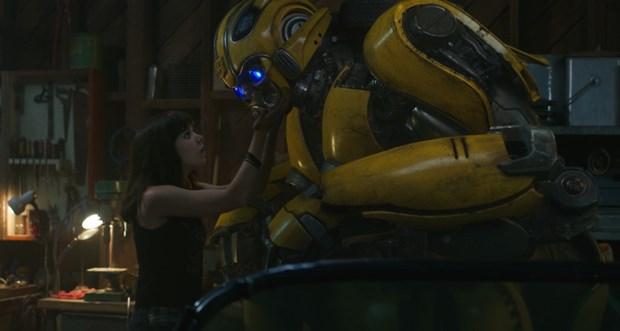 Bumblebee: Phan ngoai truyen dot pha cua loat phim Transformers hinh anh 1