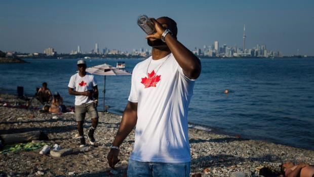 Bien doi khi hau: Canada nong len nhanh gap doi so voi the gioi hinh anh 1