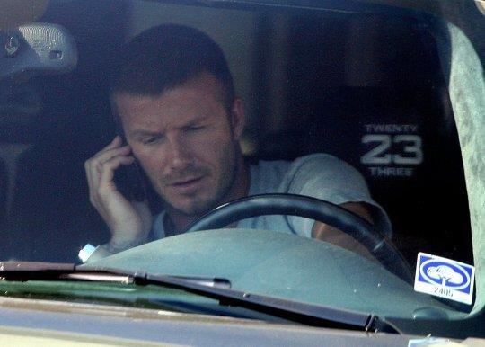 Cuu danh thu David Beckham bi cam lai xe 6 thang do pham luat hinh anh 1