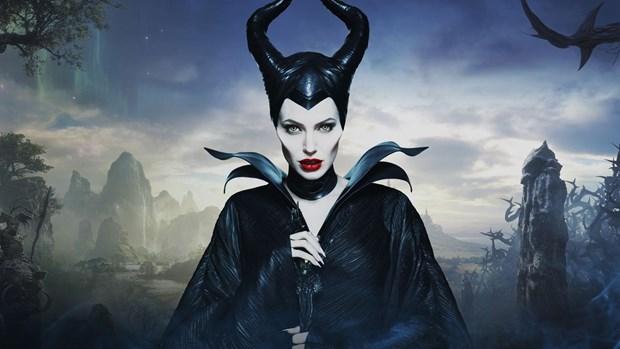 [Video] Angelina Jolie day quyen ru va ma mi trong ''Maleficent 2'' hinh anh 1