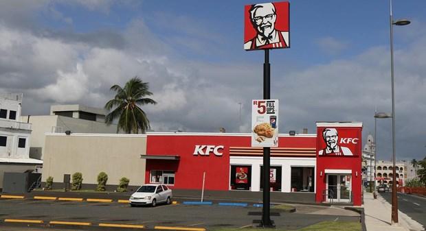 Bi canh sat bat vi ''an chuc'' ga ran o KFC suot mot nam troi hinh anh 1