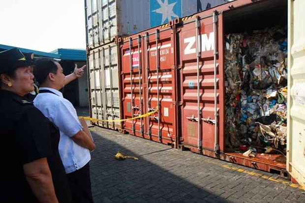 Philippines thu giu 7 container rac chuyen den tu Australia hinh anh 1