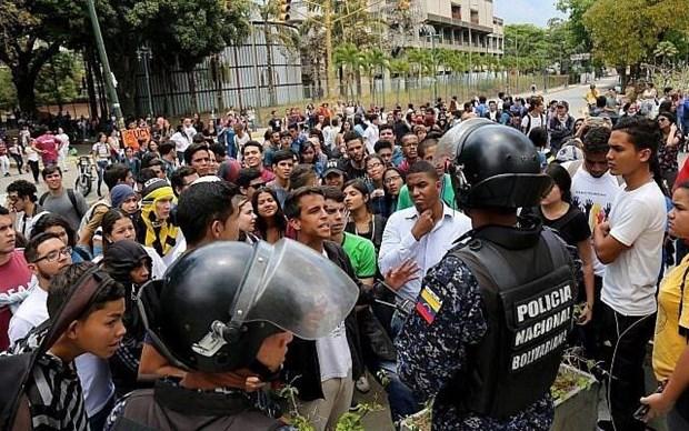 Venezuela bat giu 13 doi tuong lien quan toi vu dao chinh bat thanh hinh anh 1