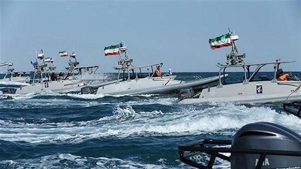 Iran: Hai quan IRGC tiep nhan nhieu trang thiet bi phong thu moi hinh anh 1