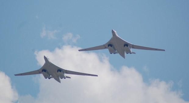 May bay Tu-160 cua Nga tro ve can cu sau cuoc dien tap gan Alaska hinh anh 1