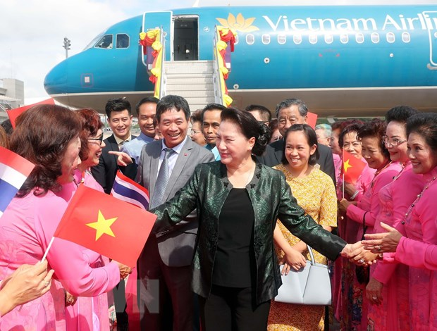 [Photo] Chu tich Quoc hoi tham ba con kieu bao tai tinh Udon Thani hinh anh 1