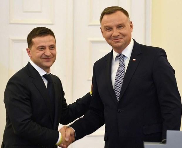 Ukraine, Ba Lan ung ho EU that chat trung phat doi voi Nga hinh anh 1
