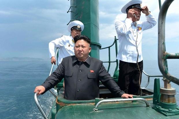 Chu tich Trieu Tien Kim Jong-un lien tuc thi sat don vi tien tuyen hinh anh 1