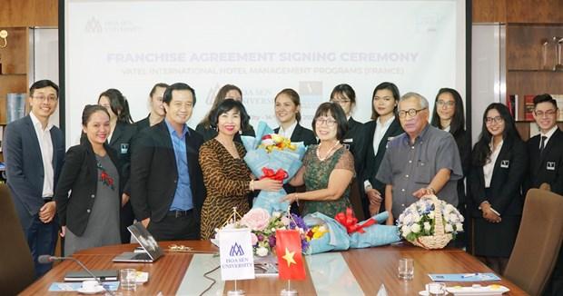 Dai hoc Hoa Sen va Vatel Development nhuong quyen chuong trinh dao tao hinh anh 1