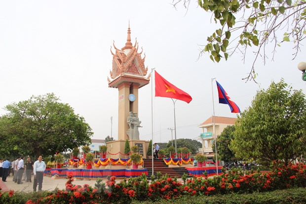 Khanh thanh Dai Huu nghi Viet Nam-Campuchia tinh Kampong Cham hinh anh 1