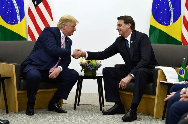 Truyen thong Brazil: Tong thong J.Bolsonaro duong tinh voi SARS-CoV-2 hinh anh 1