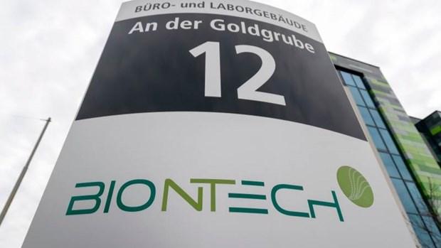 Nhat Ban dat mua 120 trieu lieu vacxin phong COVID-19 cua BioNTech hinh anh 1