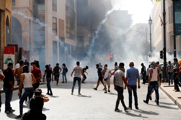 Vu no o Beirut: Bieu tinh lon phan doi gioi chuc Liban tac trach hinh anh 1