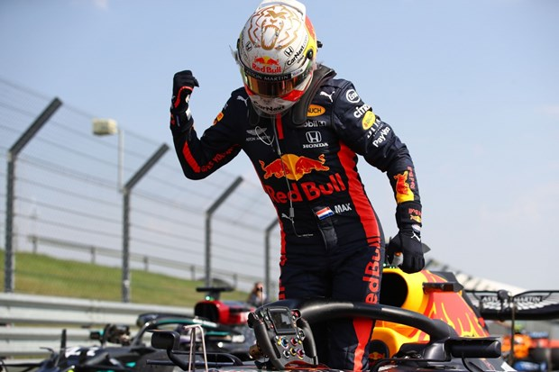 Max Verstappen chien thang trong ngay sinh nhat F1 tron 70 tuoi hinh anh 1