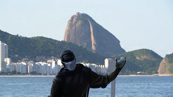 Brazil ung dung cong nghe de dam bao gian cach tai bai bien hinh anh 1