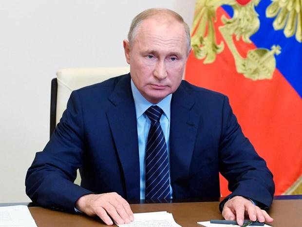 Con gai Tong thong Nga Putin da tiem vacxin phong COVID-19 hinh anh 1