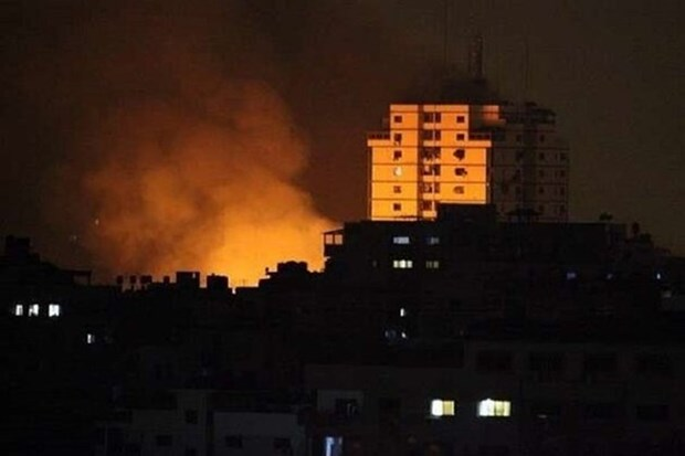 May bay chien dau Israel tan cong cac co so cua Hamas tai Dai Gaza hinh anh 1