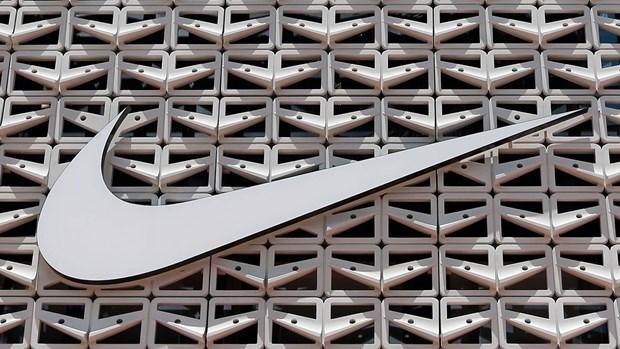 Doanh thu Nike cao hon du bao nho mang ban hang truc tuyen hinh anh 1