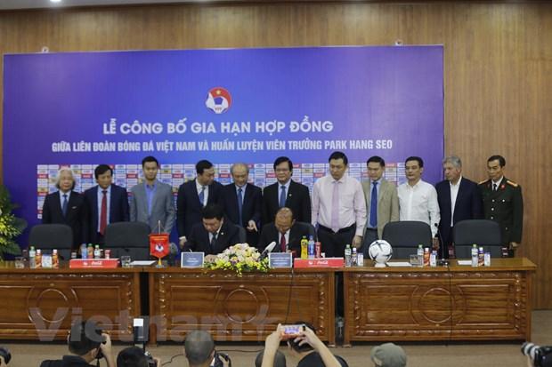 HLV Park Hang-seo tiet lo tung co y dinh roi Viet Nam sau thanh cong hinh anh 2