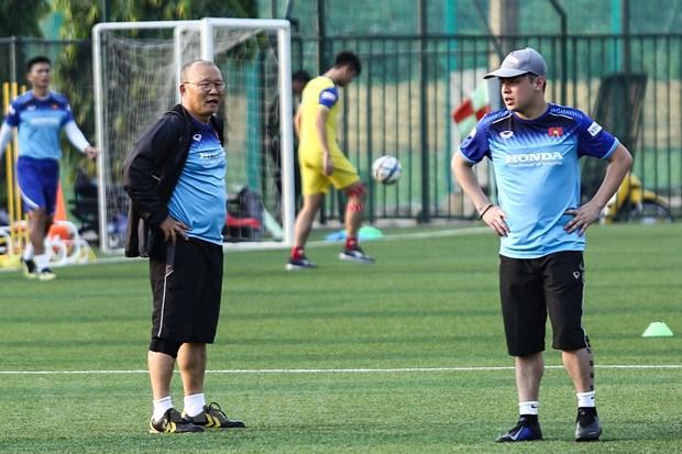 HLV Park Hang-seo co tro ly ngon ngu rieng biet o DTQG va U23 Viet Nam hinh anh 1