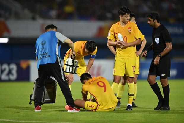 Thua tiec nuoi, Trung Quoc mat tru cot toi het VCK U23 chau A 2020 hinh anh 1