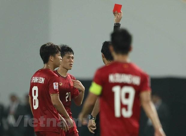 Dinh Trong bi treo gio o tran dau voi Malaysia tai vong loai World Cup hinh anh 1