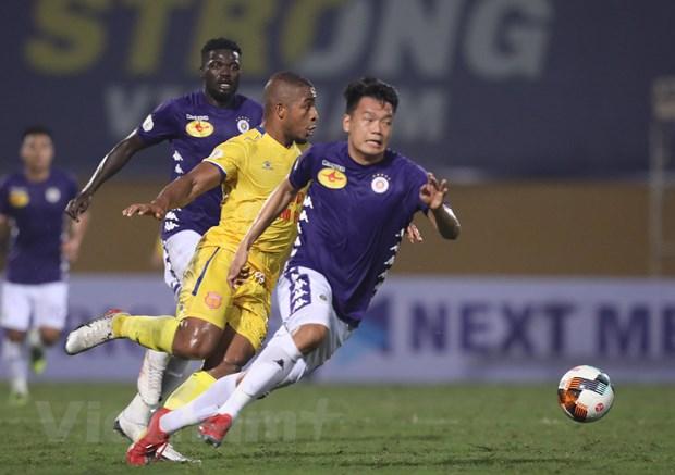 Doi bong nao huong loi khi V-League 2020 tam hoan vi COVID-19? hinh anh 2