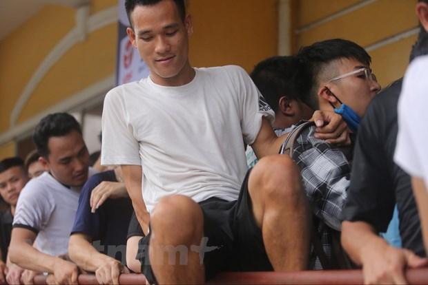 CDV chen chuc mua ve tran Nam Dinh-HAGL bat chap lo ngai dich COVID-19 hinh anh 9