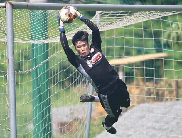 Bui Tien Dung noi gi sau lan dau bat chinh an tuong o V-League 2020? hinh anh 1