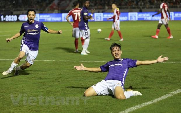 Chuyen gia trong tai: TP.HCM phai duoc huong phat den truoc Ha Noi FC hinh anh 1