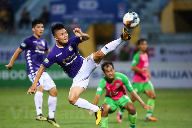 Quang Hai: Thoat khoi 'ngo cut' nho 'dai chien' Ha Noi FC-TP.HCM? hinh anh 1
