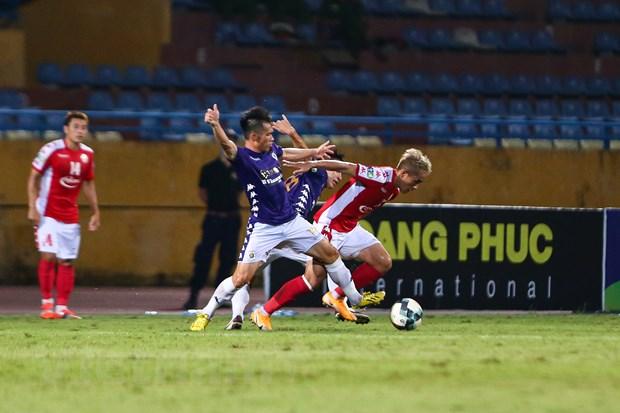 5 diem nhan tran Ha Noi FC thang dam TP.HCM: Sai lam cua Bui Tien Dung hinh anh 4