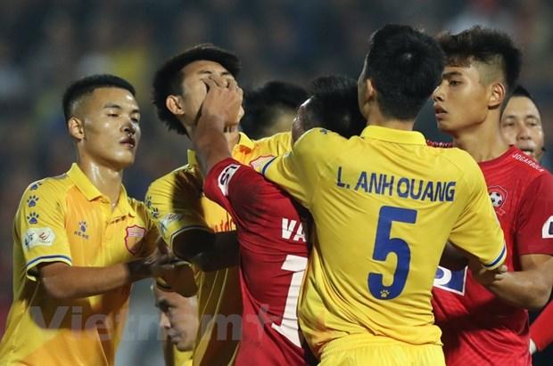 Can canh hanh dong xau xi cua cau thu Sai Gon FC voi doi thu HAGL hinh anh 1