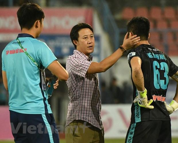 HLV Duong Hong Son thay Nguyen Thanh Cong dan dat CLB Quang Nam hinh anh 1
